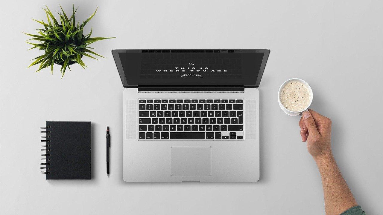 Formación Online en el 2020-2021: 12 beneficios y 8 plataformas para aprender gratis y fácil